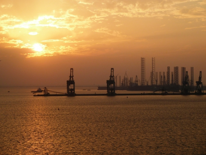 Bahrain's non-oil economy 'on strong growth track'